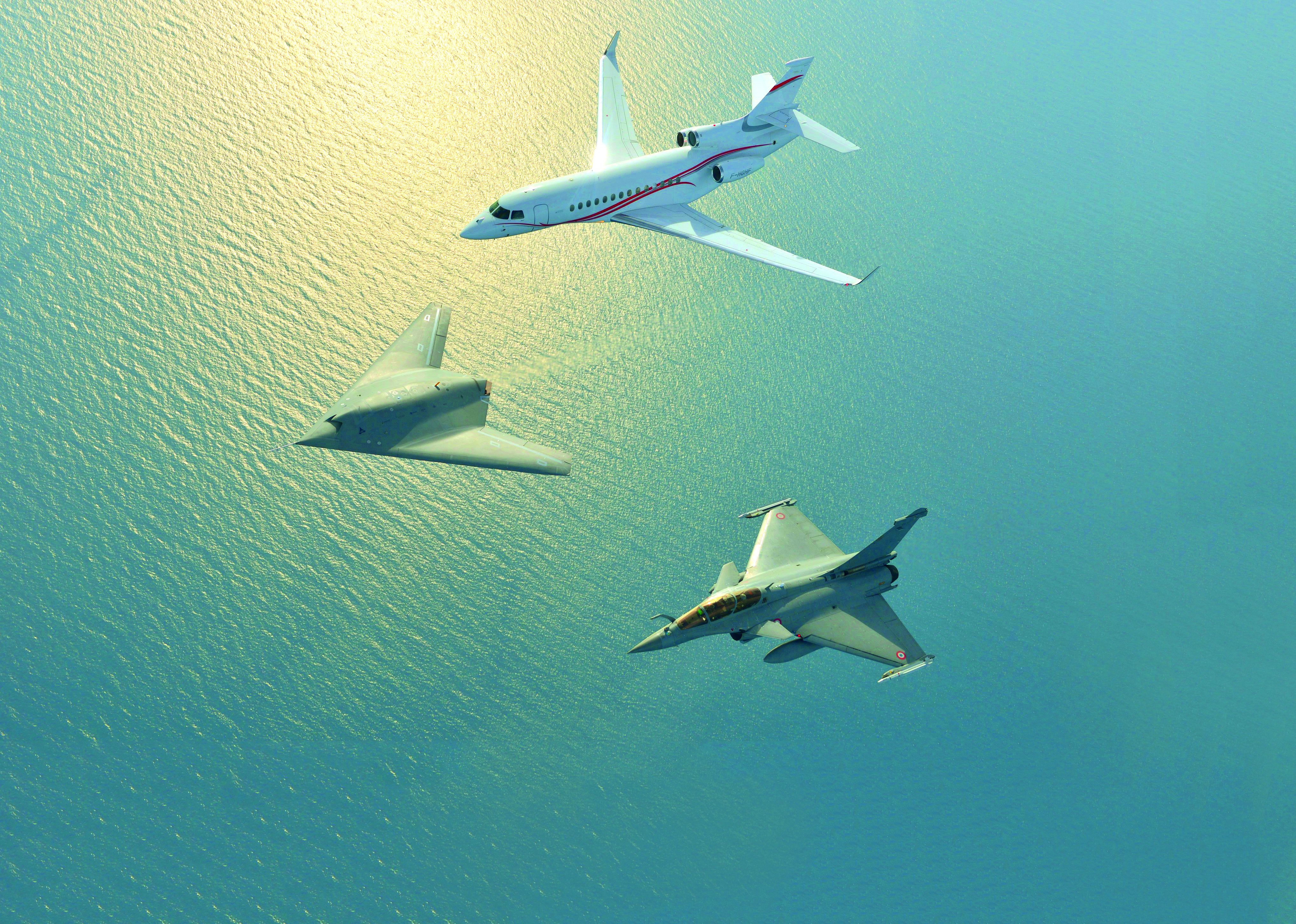 Dassault formation Flight - nEUROn, Rafale & Falcon 7X