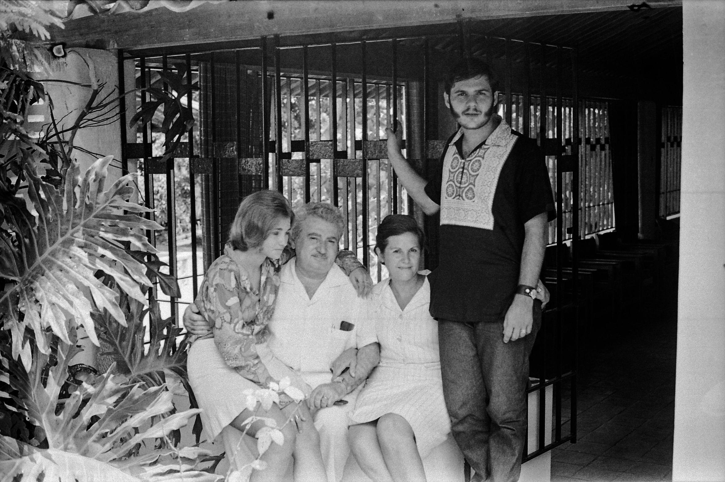 Paloma, Jorge, Zélia e João. CRV 1969 (2)